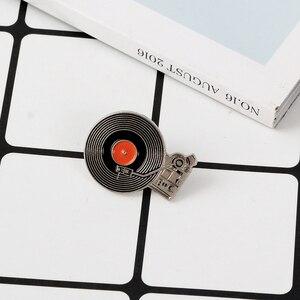 QIHE ювелирные изделия с эмалью для музыки, булавки с отворотом, классический фонограф, виниловые записи, броши, значки, модные булавки, подарк...