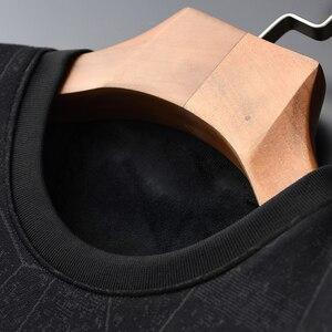 Image 3 - Minglu Black Inner Velvet Sweatshirt Men Luxury Round Collar Jacquard Winter Sweatshirt Male Plus Size 4xl Slim Fit Mens Hoodies