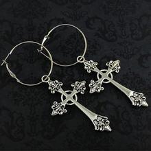 Большие серьги кольца в готическом стиле серебристого цвета