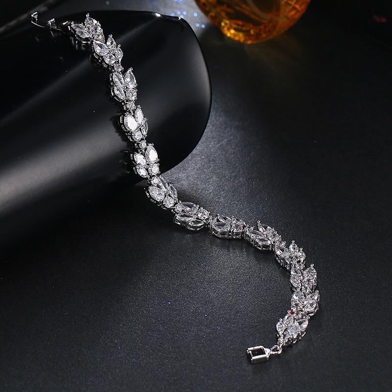 Emmaya High Quality Clear White Cubic Zirconia Leaf Pattern Bracelets Bangles For Women Girl Gift Fashion Wedding Jewelry Party