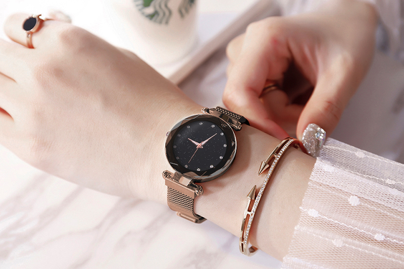 H5be77eb6c2a54af48a0b04977b1f6828J Luxury Women Watches Ladies Magnetic Starry Sky
