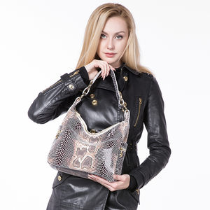 Image 3 - REALER woman handbags genuine leather tote female classic serpentine prints classic shoulder crossbody bags ladies messenger bag