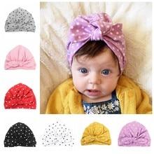 Шапка-бини в горошек для девочек, милый головной убор с бантом, шапка для новорожденных, аксессуары для волос, подарок на день рождения, весн...