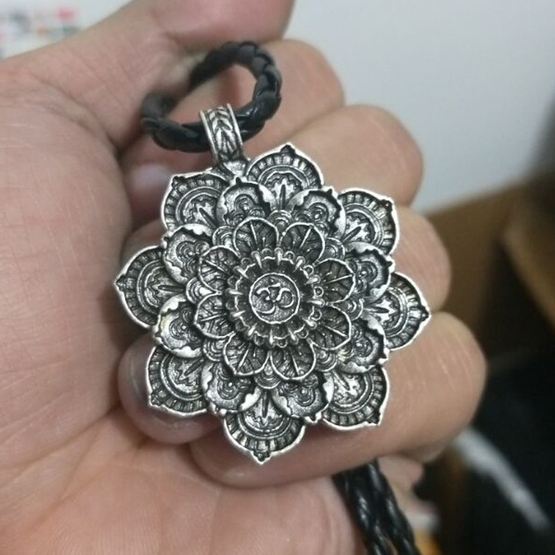 Lotus 2 Silver