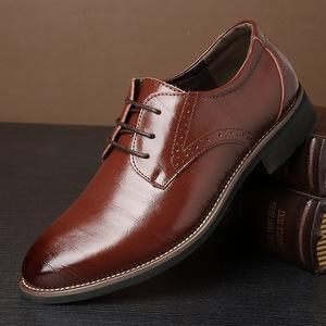 New High Quality Classic Leather Men Brogues Shoes Lace-Up Bullock Business Dress Men Oxfords Shoes Male Formal Zapatos Hombre