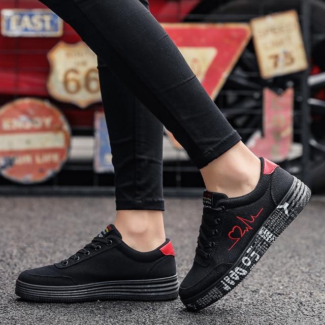 Mulher vulcanizado sapatos primavera verão sapatos casuais senhoras respirável tênis de lona feminino graffiti impresso sapatos planos mais tamanho