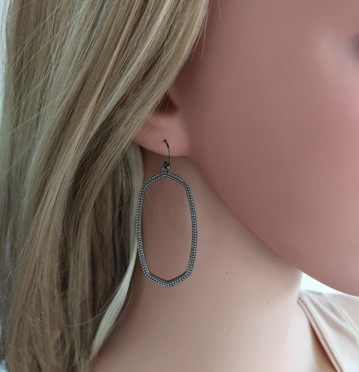 New Fashion Friends Gift Oval Water Drop Frame Alloy Metal Simple Oval Hollow Out Drop Earrings