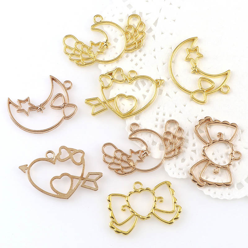 4Pcs UV Epoxy Resin Mold For DIY Jewelry Making Gold Bow Knot Heart Frame Metal Pendant Base Handmade Resin Crafts Accessories