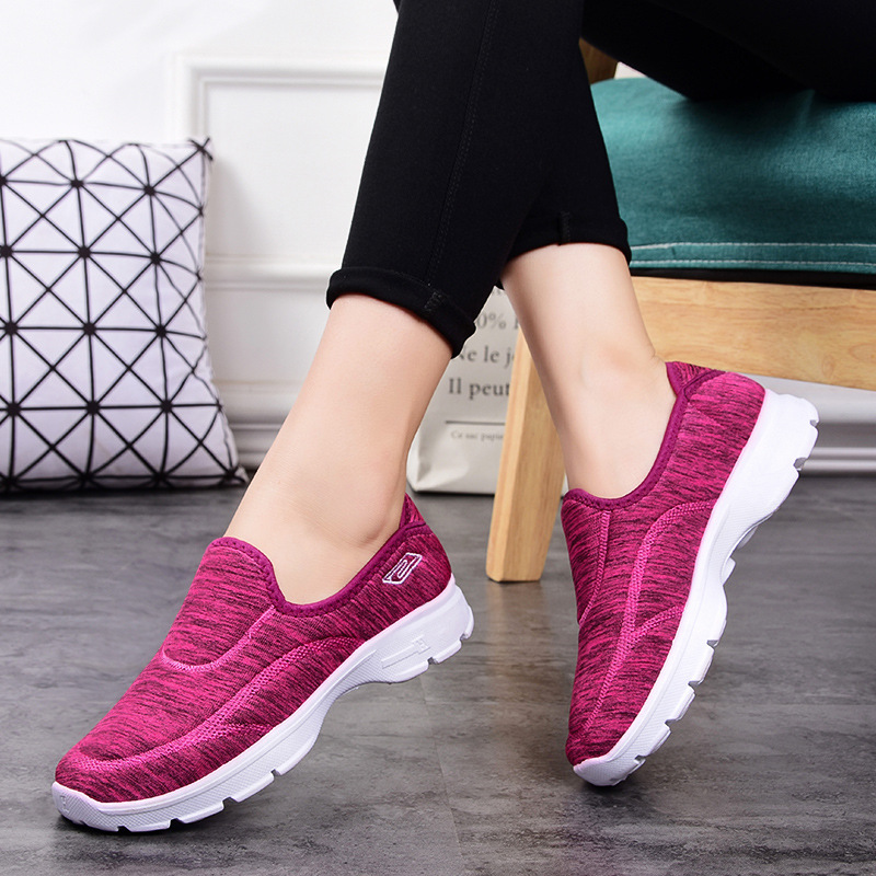 2019 Women Sneakers Vulcanized Shoes Fashion Sneakers Women Slip On Flat Shoes Women Plus Size Loafers Walking Flat ST419