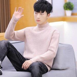 Jersey de manga larga para hombre, suéteres de cuello alto nuevos de invierno en rosa, blanco, amarillo, rojo, negro y azul, suéteres casuales de moda para hombre