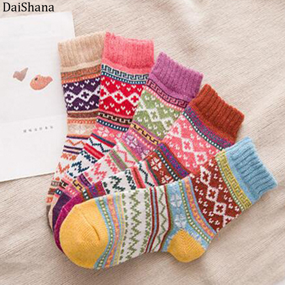 1 pair Casual Womens Soft Thick Warm Socks Rabbit Wool Blends Warm Winter Socks Womens Retro Style Colorful Breathable Socks
