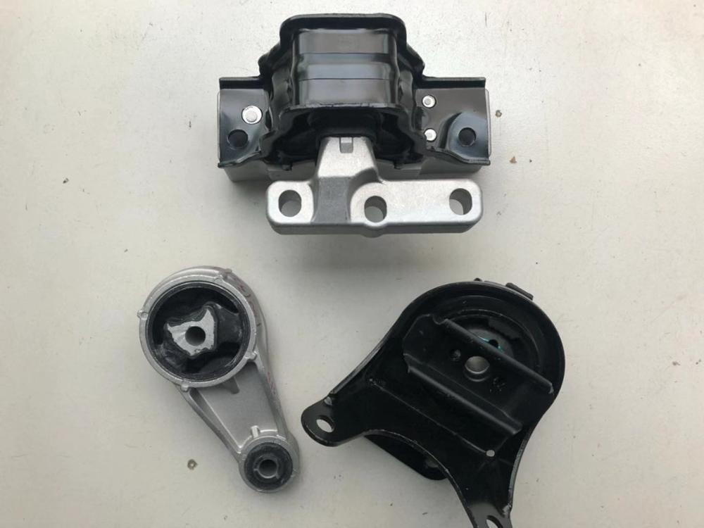 New Model 1pcs Engine Mountings Bracket / Oil Sump Bracket/ Gearbox Bracket For SAIC ROEWE 350 MG5 Engine Auto Car Motor Part