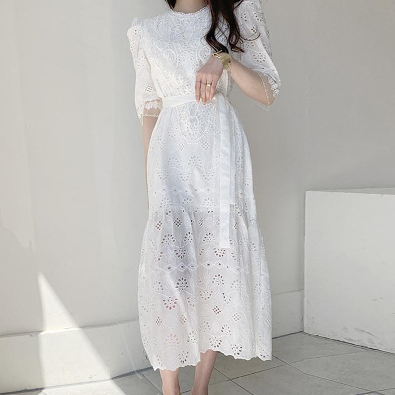 Top Quality Summer Dress 2020 Women Exquisite Embroidery Belt White Black Vintage Lace Long Dress Casual Femme Robe Vestidos
