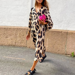 Loose Leopard Print Woman Midi Dress Three Quarter Lantern Sleeve V-neck Dresses Fashion Ladies Summer Antumn Female Clothes