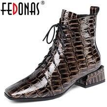 FEDONAS 2020 Kış Yeni Hayvan Baskılar Hakiki Deri Kadın yarım çizmeler Çapraz Bağlı Parti Ofis Ayakkabı Kadın Moda kısa çizmeler