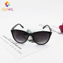 Sunglasses Women 2020 Vintage Sunglases UV400 Black Shades Luxury Oversized Pola