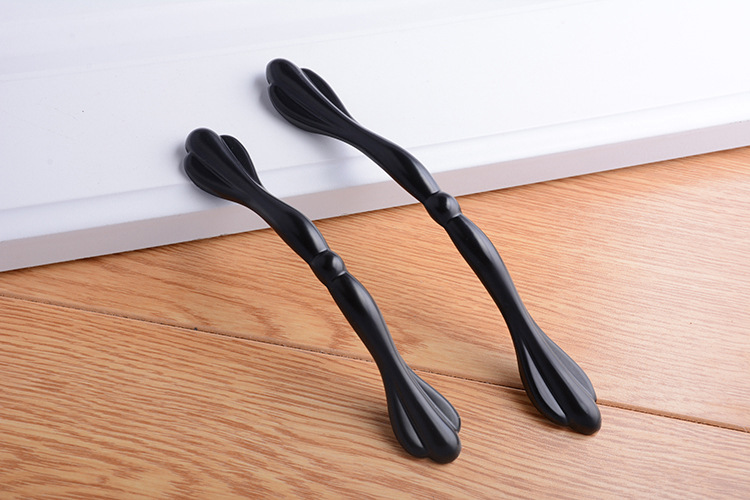 H5c8b1afcb485485b80a88459b318363e7 - Aluminum Alloy Black Cabinet Handles American Style Solid Kitchen Cupboard Pulls Drawer Knobs Furniture Handle Hardware