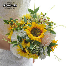 Kyunovia Mooie Bruid Boeket Zonnebloem en Rose Bruiloft Bloemen Bruidsboeketten Bruidsboeket voor Bruidsmeisjes BY64