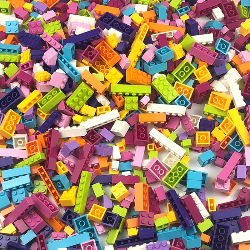 <font><b>1000</b></font> <font><b>PCS</b></font> DIY Building Block Bulk Compatible Army City Friends Princess with Figures Model Bricks Toys for Kids Gift image