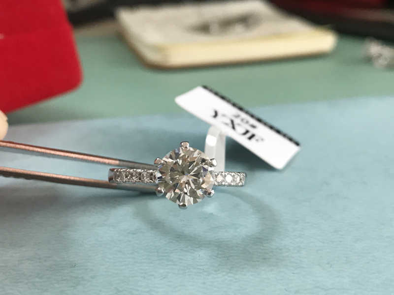 証明書の高級 100% オリジナル 925 ソリッドシルバーリングでトパーズ 8 ミリメートル 2ct宝石ビックジルコニアダイヤモンド結婚指輪ファインジュエリーj427