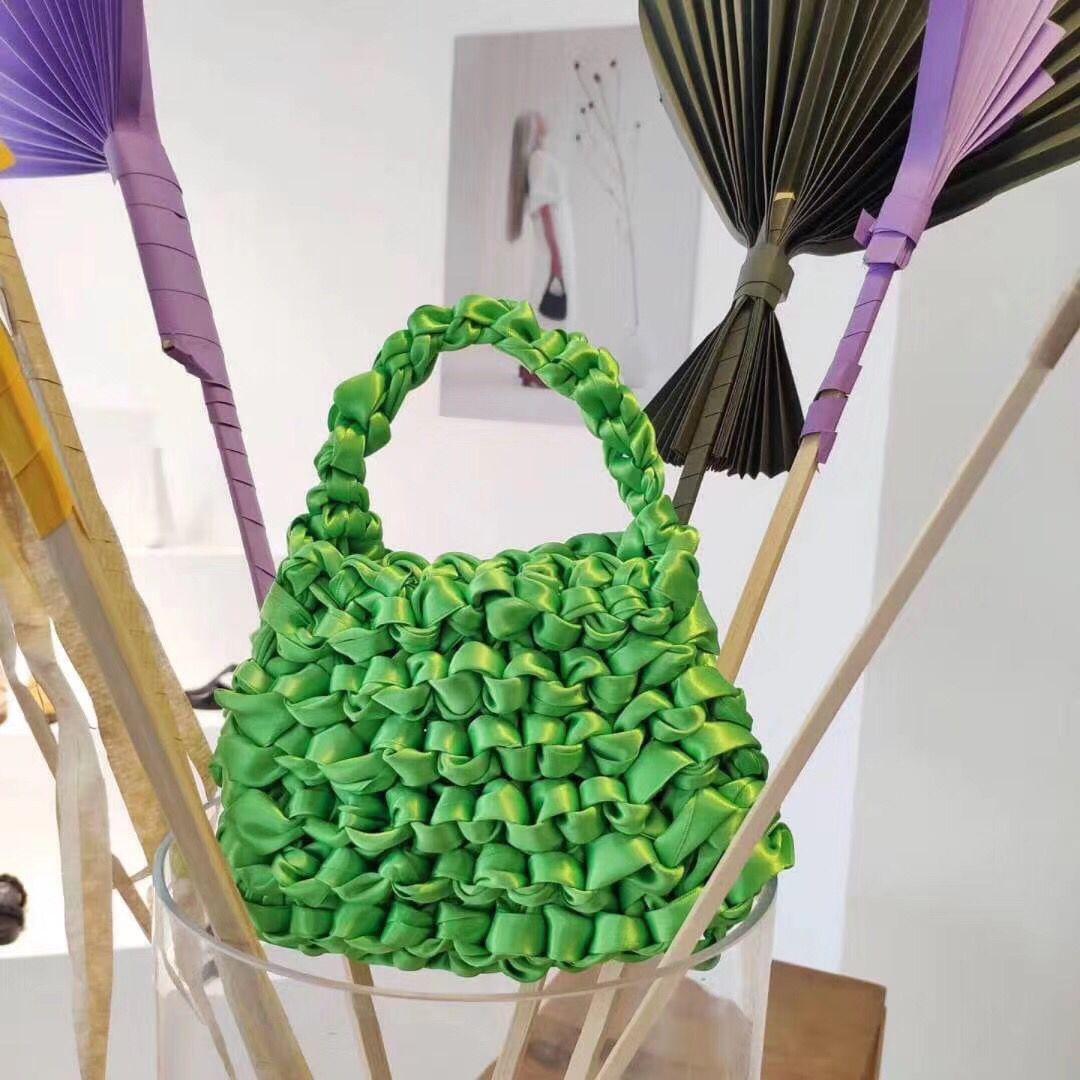 Mode soie tissé femmes sacs à main concepteur tricot sacs à main marque Totes décontracté été partie corde noeud dames petit embrayage sacs à main
