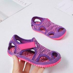 Летние сандалии для маленьких девочек и мальчиков, детские пляжные сандалии с мягкой нескользящей подошвой, обувь для новорожденных, Детская уличная обувь с защитой от столкновений