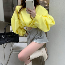 Свободный короткий свитер с длинными рукавами и завязками «летучая