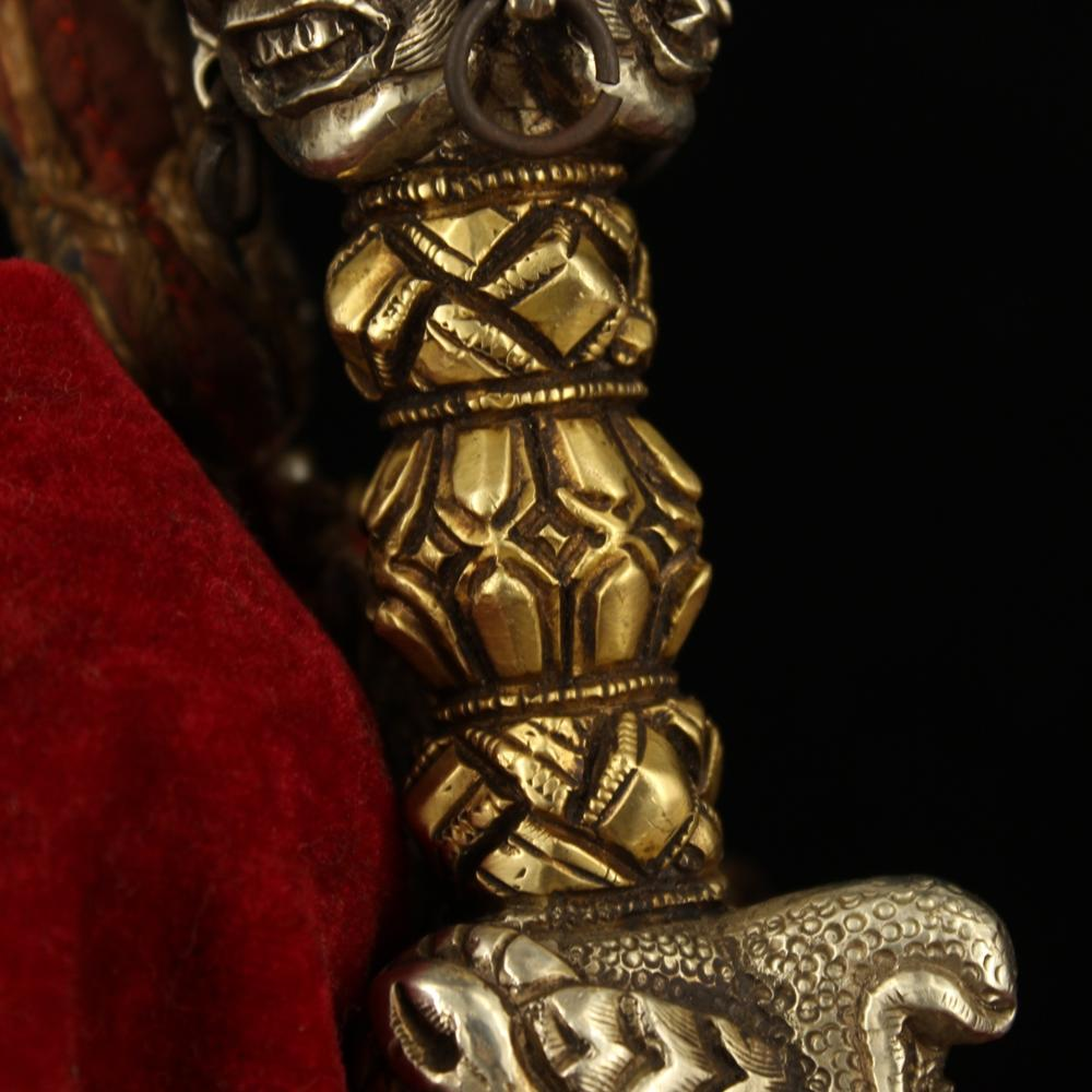 Tibetan monastery collects old Tibetan silver and handmade gilt vajra to drop the magic pestle