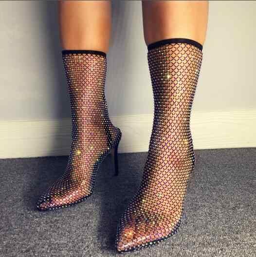 Sıcak beyaz siyah Bling Bling payetler elmas Crystal Clear PVC sivri burun topuk askısı orta buzağı Stiletto topuklu kısa çizmeler kadın