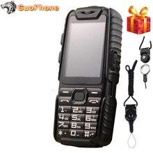"""مقاوم للماء GuoPhone A6 وعرة قوة البنك الهاتف مع 2.4 """"صدمات 0.3MP بصوت عال المتكلم مصباح يدوي المزدوج سيم كبار الهاتف في الهواء الطلق"""