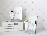 Creative Astronaut Picture Frame Party Birthday Wedding Display Resin Crafts Simulation Furniture Picture Frame Home Decor LF992