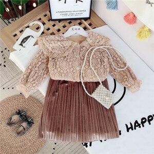 Комплект модной одежды для девочек, милые кружевные рубашки + плиссированные юбки, элегантный Детский костюм, детская одежда на весну и осен...