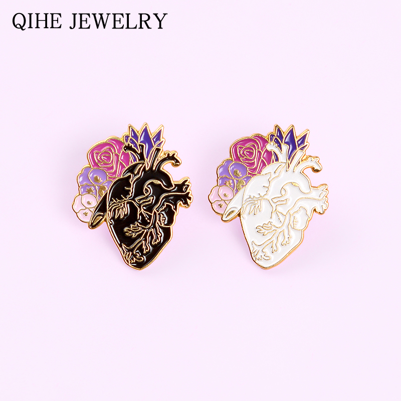 Flower Heart Pins Black White Human Anatomical Heart Enamel Pin Art Organ Brooch Medical Backpack Lapel Badges Gift For Friends