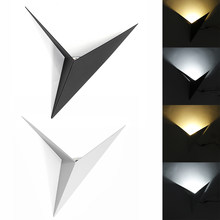 CreativeWrought, lámpara de pared triangular en forma de hierro, mesa de noche para sala de estar y dormitorio, lámpara de pared LED de 13W, lámpara Blanca Negra, luz de pasillo(China)