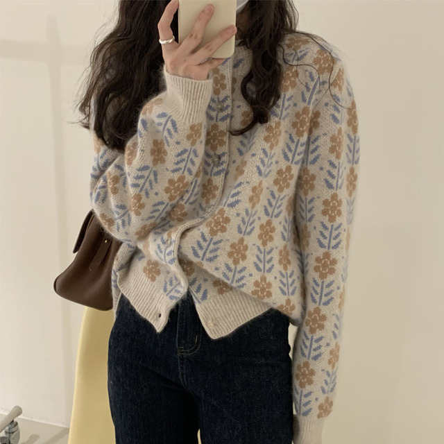 2021 South Korea early spring round neck long sleeve printing single breasted loose and thin retro sweater cardigan shirt women 1