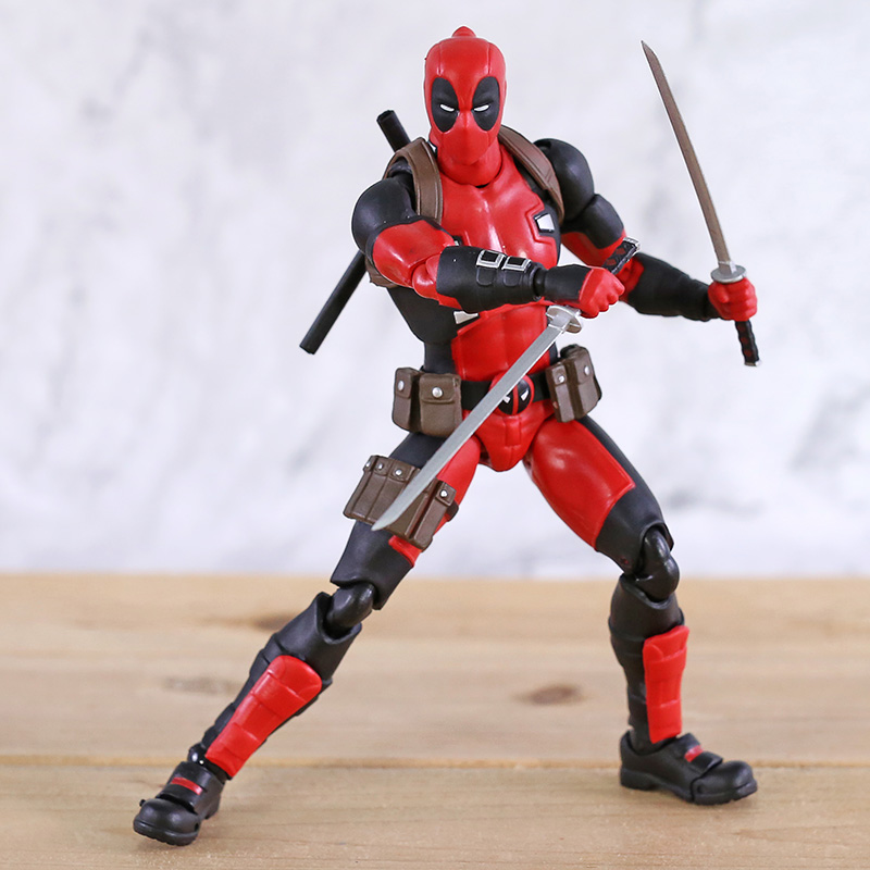 New Mafex 082 Deadpool Comic Version Action Figure Collectable Model Toy Doll Gift image