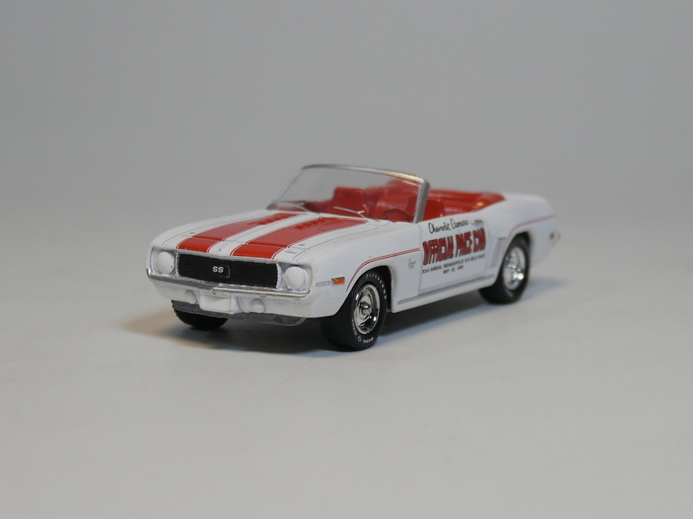 Greenlight 1:64 1969 Chevrolet Camaro Diecast Model Car