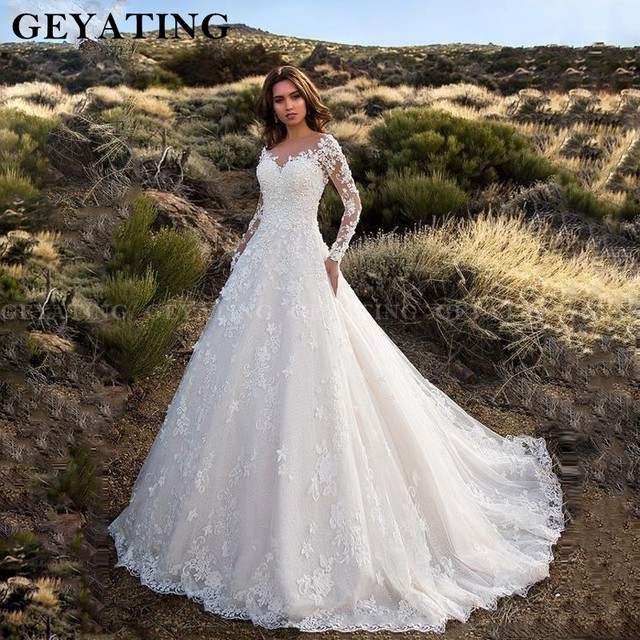 Vintage Lace Ball Gown Wedding Dresses Long Sleeves Appliques 3D Flowers Backless Bridal Gowns Country Style Long Wedding Dress