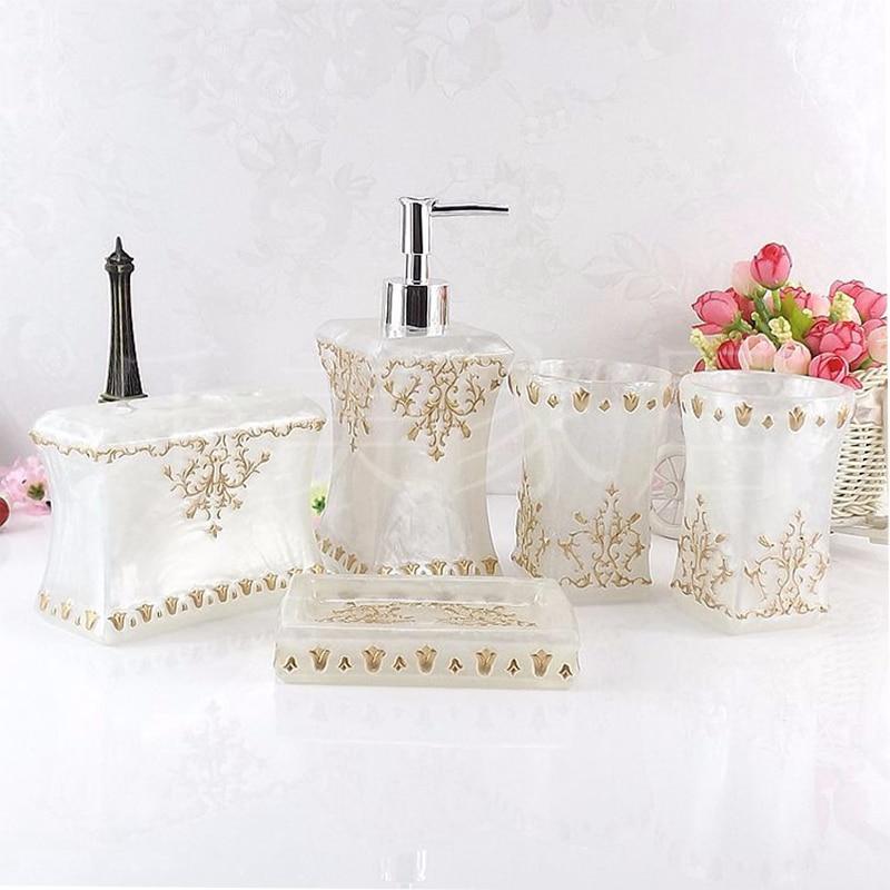 Beau papillon floral 5 pièces résine salle de bain accessoires ensemble distributeur de savon/porte-brosse à dents/gobelet/porte-savon blanc