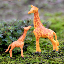 2019 2pcs modern mini Giraffe mother child home decoration h