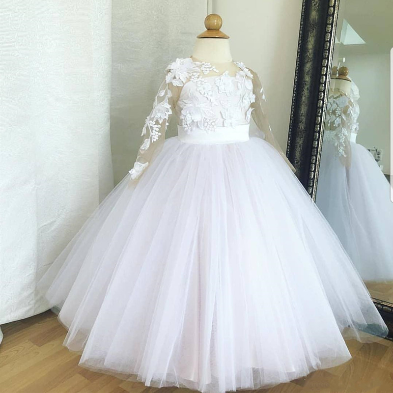Lace Flower Girl Dresses Long Sleeves Sheer Neck Little Girl Dresses Vintage Communion Gowns Pageant Dresses