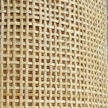 Индонезийский натурального ротанга Материал рулон решетки трость коврик отель Декор для стен и потолка «сделай сам» для дома мебель стол с...