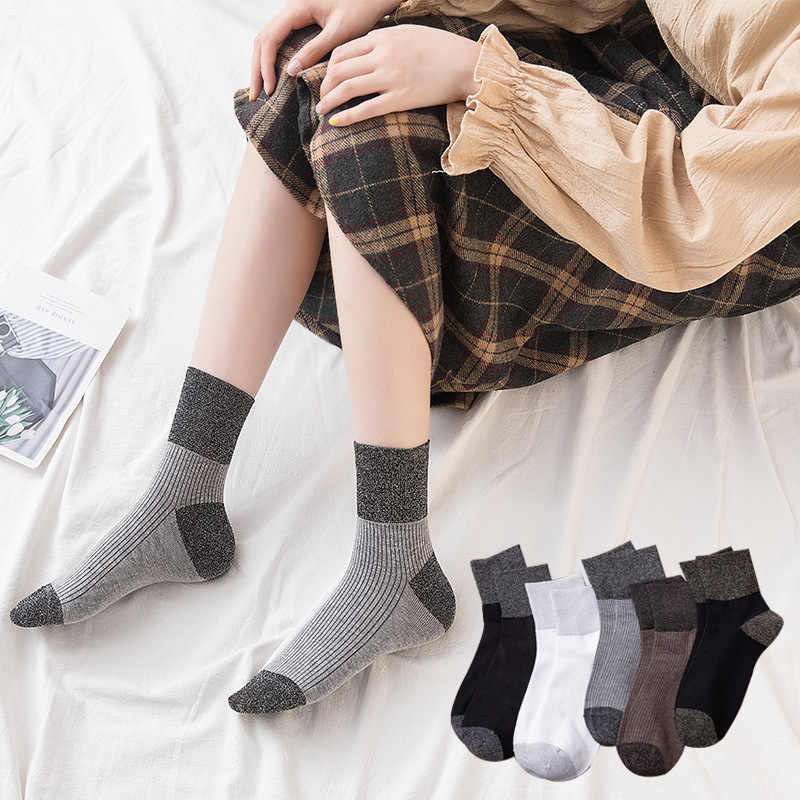 2019 New autumn winter Cotton women's Socks patchwork color Fashion Japan Design Bright Silk Sewing Workout Female Socks Casual