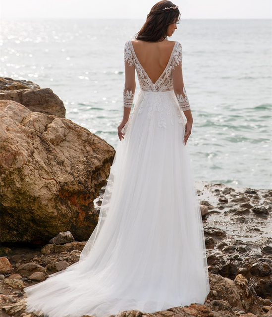 Boho Beach Wedding Dress 2021 A-Line V-Neck Long Sleeve Lace Appliques Tulle Backless Bohemian Bride Gown Sexy Charming Robe 2