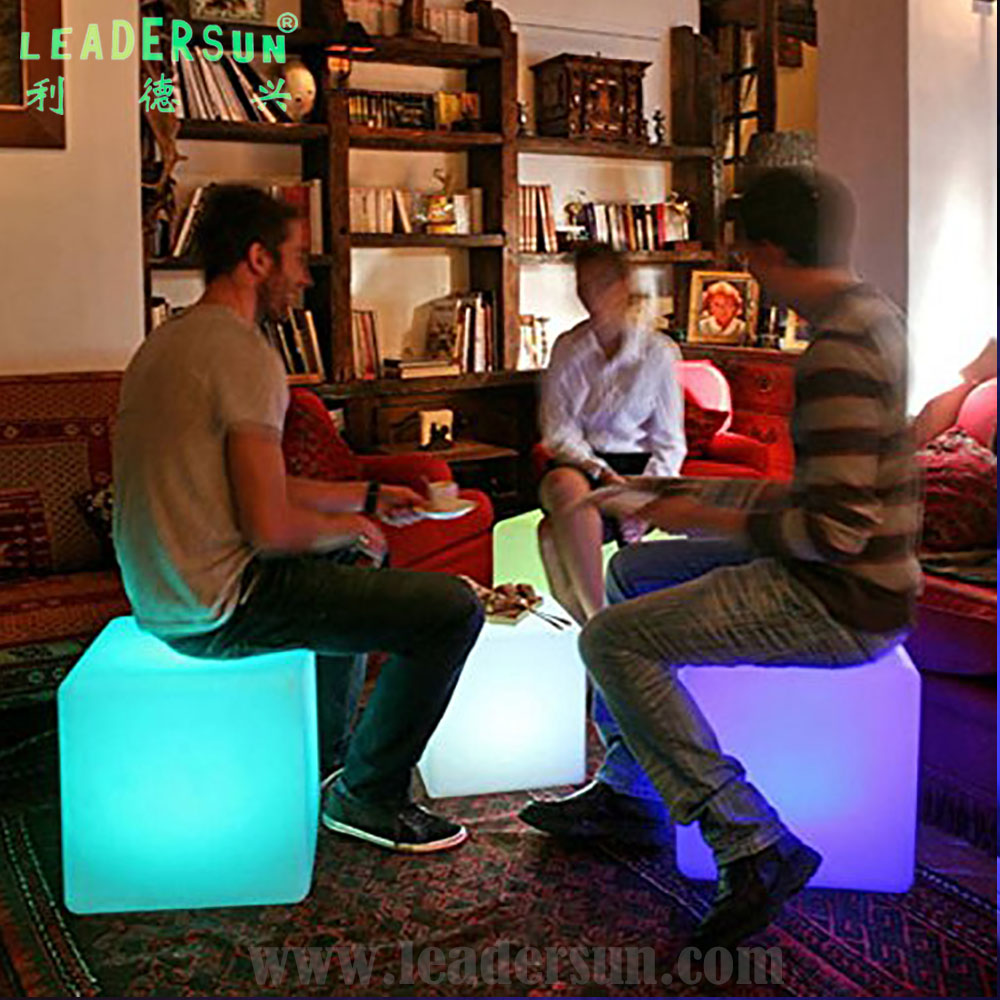 35 40 43 50 Cm Wonderful Morden 16 Color Optional PE Material LED Cube Chairs