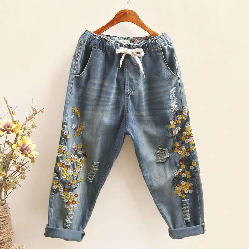 Summer New Arts Style Women Elastic Waist Jean Capri Pants Flower Embroidery Vintage Ripped Jeans Cotton Denim Harem Pants S497