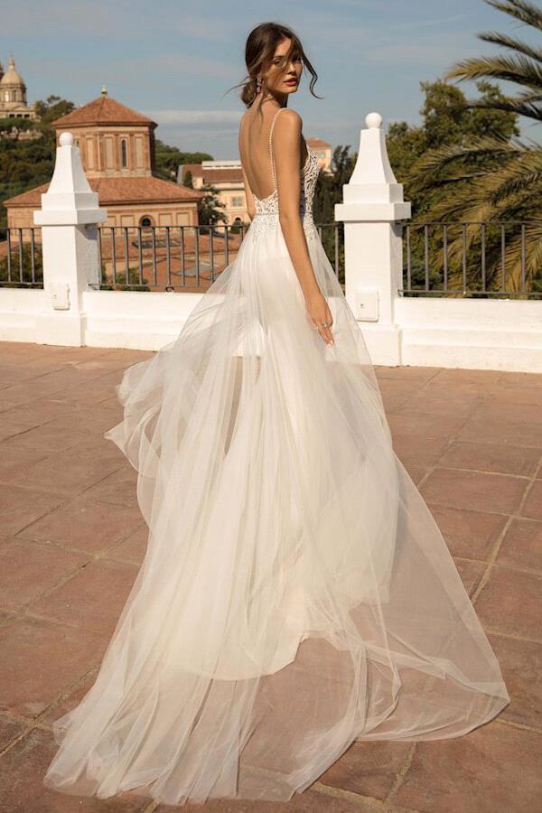 Charming Tulle Mermaid Wedding Dress Sexy Deep V Neck Appliques