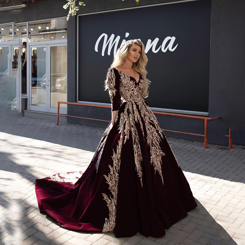 Burgundy Dubai Arabic Ball Gown Evening Dresses Lace Appliqued Celebrity V Neck Long Sleeve Evening Gowns Formal Pageant Dress