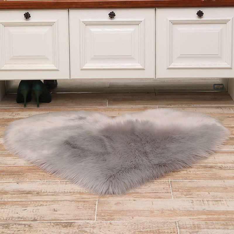 ふわふわ敷物ハートアンチスキッドシャギーラグマットダイニングルームホーム寝室のカーペットフロアマット