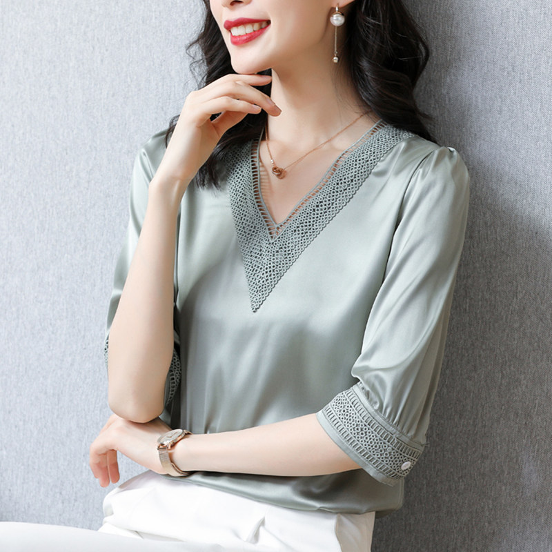 Korean Heavy Silk Women Blouses Shirts Woman Embroidered Satin Blouse Shirt Elegant Women Hollow Out Blouse White Tops Plus Size